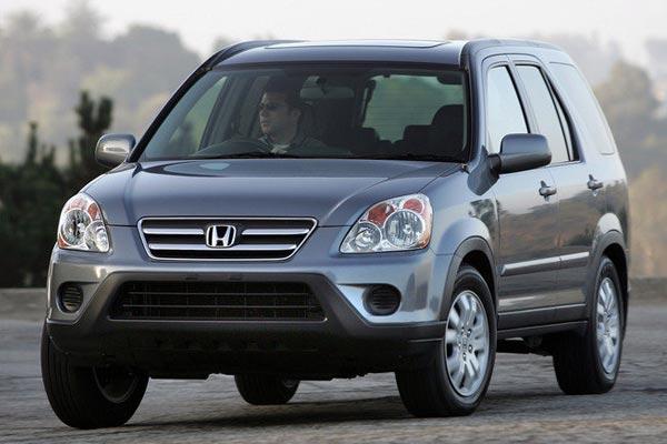 5 Pilihan Mobil SUV Bekas Murah Untuk Menghadapi Banjir